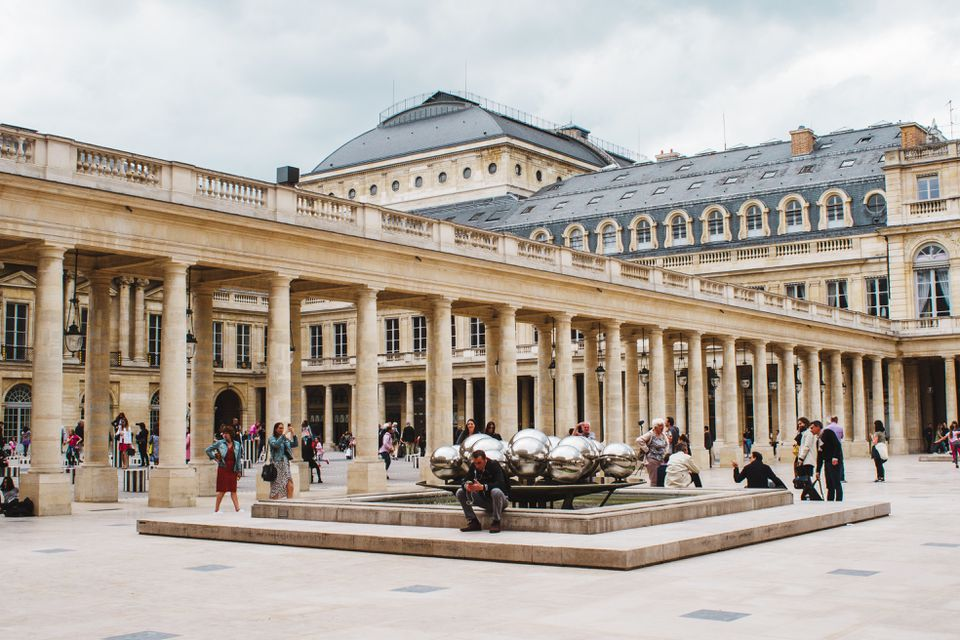 Cung điện hoàng gia Palais-Royal