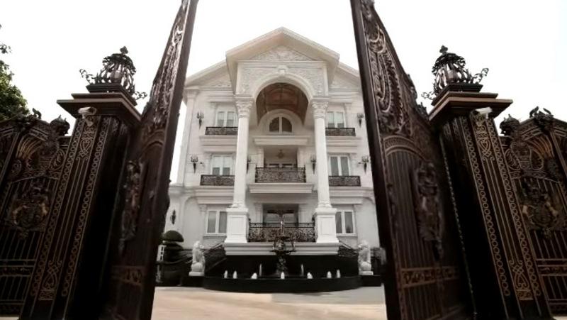 Biệt thự của diễn viên nổi tiếng Tăng Thanh Hà và chồng